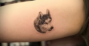 Тату с собакой породы Хаски 08.03.2021 №031 - husky tattoo - tatufoto.com