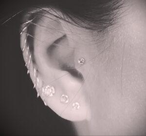Фото крутого пирсинга у человека 17.03.2021 №082 - cool piercing - tatufoto.com