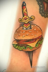 Фото рисунка татуировки с гамбургером 26.03.2021 №022 - burger tattoo - tatufoto.com