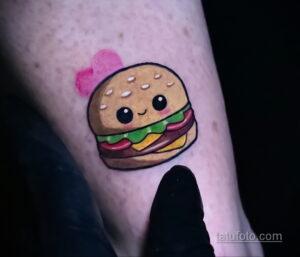 Фото рисунка татуировки с гамбургером 26.03.2021 №062 - burger tattoo - tatufoto.com