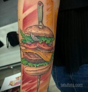Фото рисунка татуировки с гамбургером 26.03.2021 №066 - burger tattoo - tatufoto.com