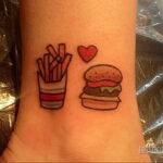 Фото рисунка татуировки с гамбургером 26.03.2021 №313 - burger tattoo - tatufoto.com