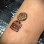 Фото рисунка татуировки с гамбургером 26.03.2021 №314 - burger tattoo - tatufoto.com