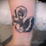Фото татуировки со скунсом 28.03.2021 №508 - Skunk tattoo - tatufoto.com
