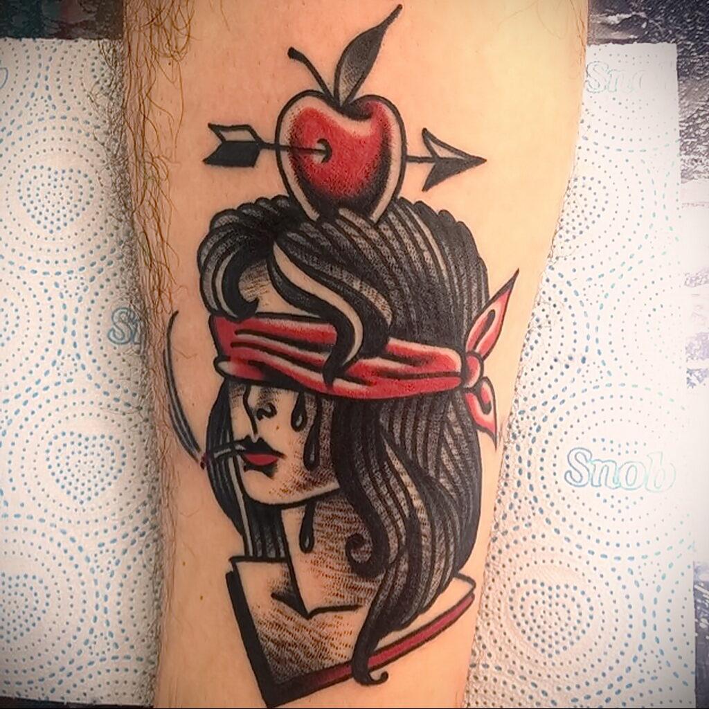 Фото татуировки с яблоком 03.03.2021 №089 - apple tattoo - tatufoto.com