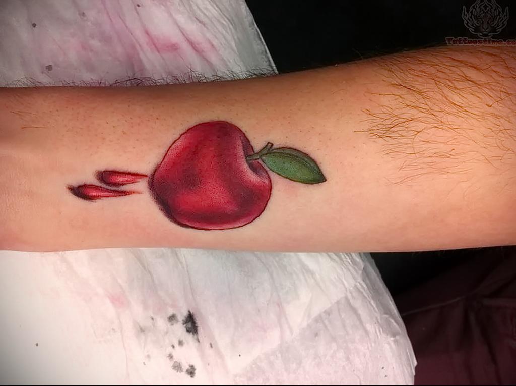 Фото татуировки с яблоком 03.03.2021 №102 - apple tattoo - tatufoto.com