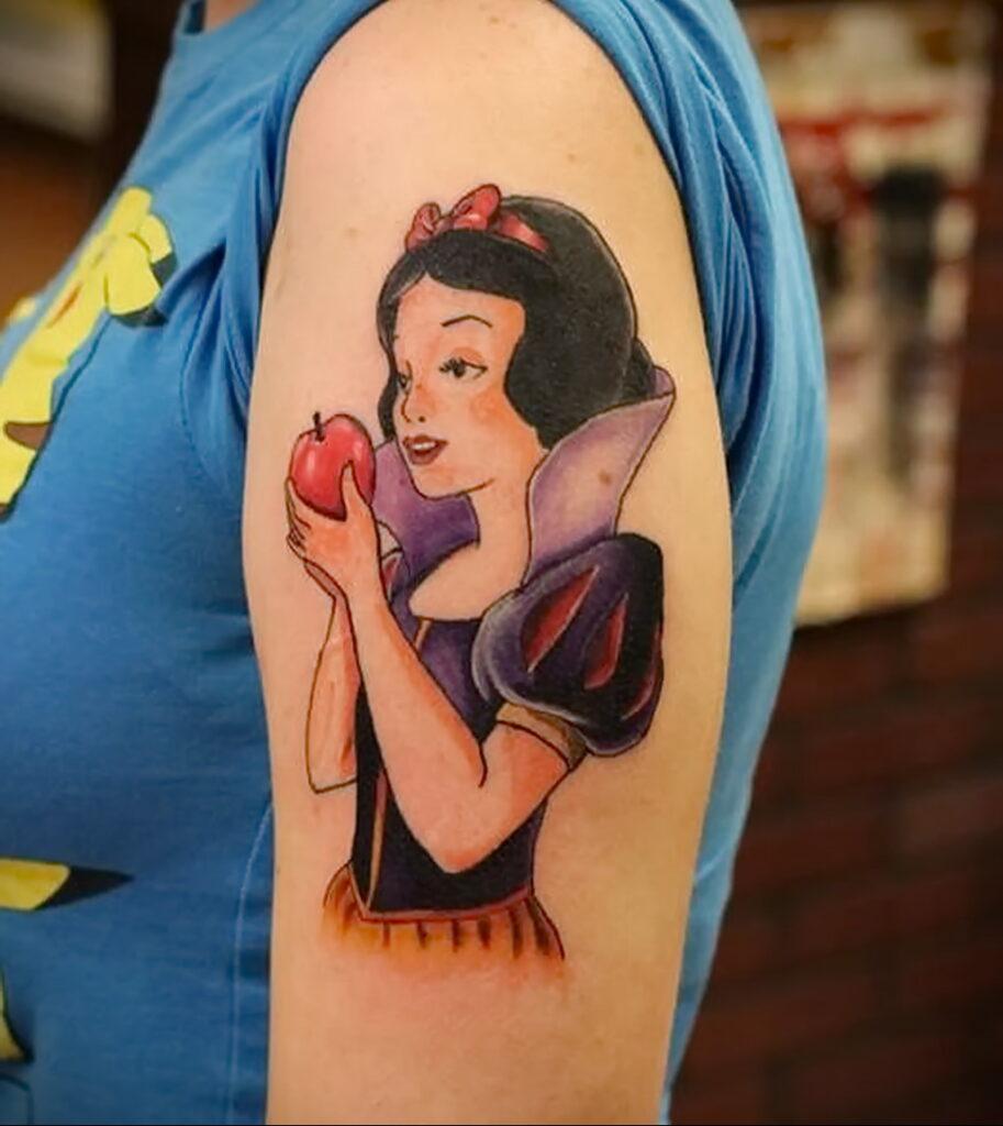 Фото татуировки с яблоком 03.03.2021 №109 - apple tattoo - tatufoto.com