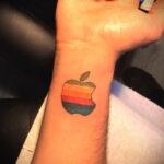 Фото татуировки с яблоком 03.03.2021 №164 - apple tattoo - tatufoto.com