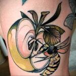 Фото татуировки с яблоком 03.03.2021 №177 - apple tattoo - tatufoto.com