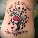 Фото татуировки с яблоком 03.03.2021 №180 - apple tattoo - tatufoto.com