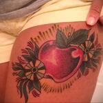 Фото татуировки с яблоком 03.03.2021 №188 - apple tattoo - tatufoto.com