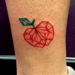 Фото татуировки с яблоком 03.03.2021 №190 - apple tattoo - tatufoto.com