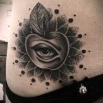 Фото татуировки с яблоком 03.03.2021 №201 - apple tattoo - tatufoto.com