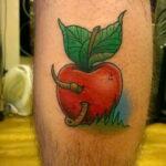 Фото татуировки с яблоком 03.03.2021 №214 - apple tattoo - tatufoto.com