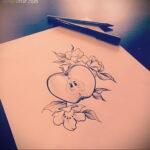 Фото татуировки с яблоком 03.03.2021 №227 - apple tattoo - tatufoto.com