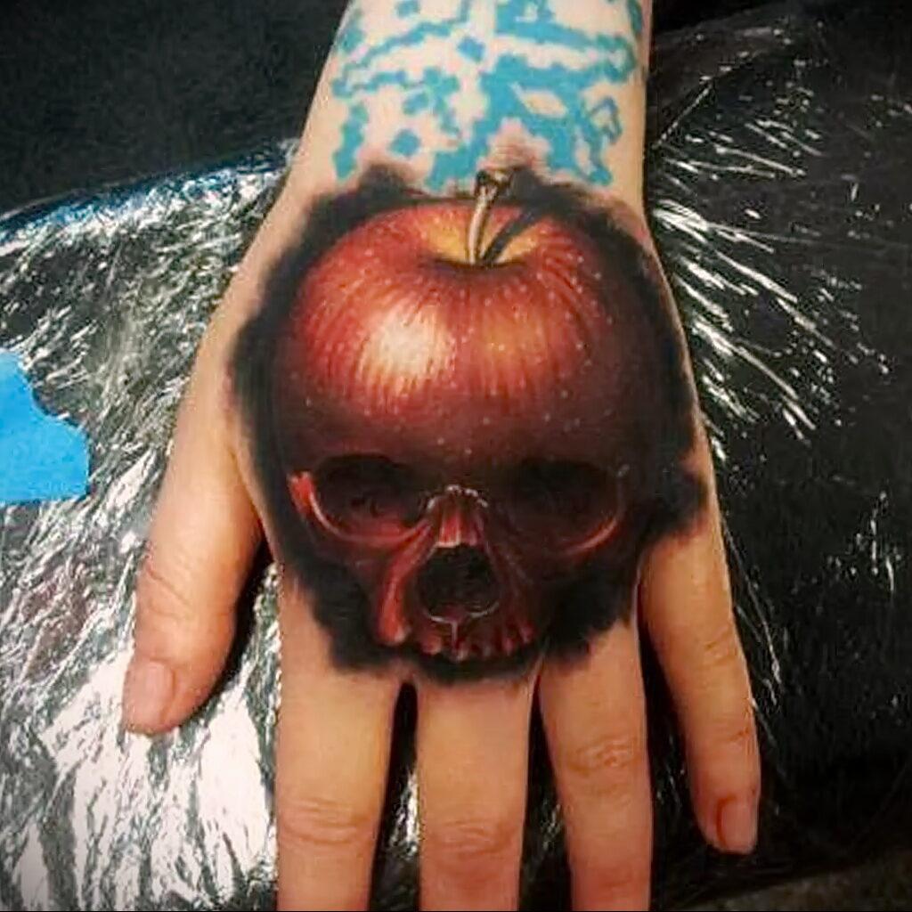 Фото татуировки с яблоком 03.03.2021 №252 - apple tattoo - tatufoto.com