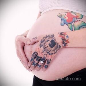 Фото беременная с тату 19.04.2021 №009 - pregnant tattoo - tatufoto.com