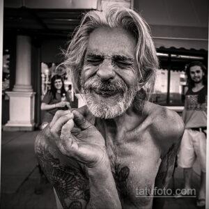 Фото интересного рисунка мужской тату 05.04.2021 №010 - male tattoo - tatufoto.com
