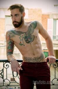 Фото интересного рисунка мужской тату 05.04.2021 №018 - male tattoo - tatufoto.com