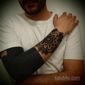 Фото интересного рисунка мужской тату 05.04.2021 №034 - male tattoo - tatufoto.com
