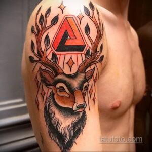 Фото интересного рисунка мужской тату 05.04.2021 №047 - male tattoo - tatufoto.com