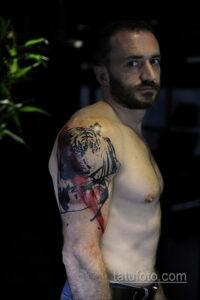 Фото интересного рисунка мужской тату 05.04.2021 №050 - male tattoo - tatufoto.com