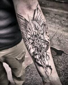 Фото интересного рисунка мужской тату 05.04.2021 №057 - male tattoo - tatufoto.com