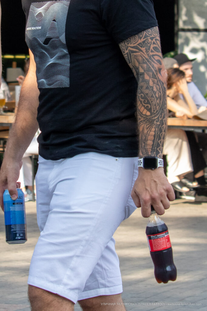 Маори узоры в тату рукаве на левой руке парня – Фото Уличная тату (street tattoo) № 13 – 27.06.2021 4