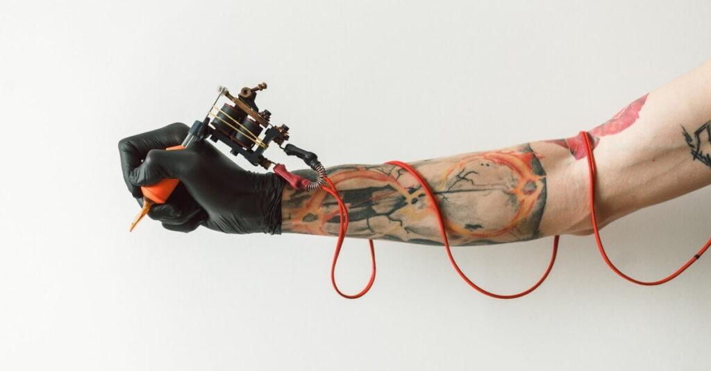 Можно сделать лазерную эпиляцию на татуировке - фото для статьи 20062021 2