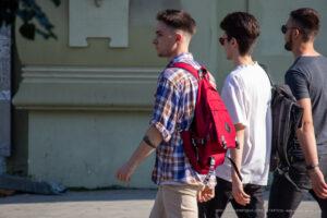 Тату браслет на руке парня с силуэтом города и домов – Фото Уличная тату (street tattoo) № 13 – 27.06.2021 3