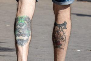 Тату воин казак и сова внизу ног парня – Фото Уличная тату (street tattoo) № 13 – 27.06.2021 6