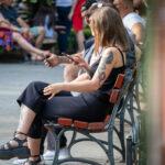 Тату дракон, мотылек и портрет девушки на левом плече и руке у девушки – Фото Уличная тату (street tattoo) № 13 – 27.06.2021 1