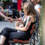 Тату дракон, мотылек и портрет девушки на левом плече и руке у девушки – Фото Уличная тату (street tattoo) № 13 – 27.06.2021 3
