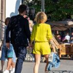 Тату знак бесконечности из пера и цветов на правой руке девушки – Фото Уличная тату (street tattoo) № 13 – 27.06.2021 5