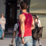 Тату надпись ГЕНРИХ на левой руке парня – Фото Уличная тату (street tattoo) № 13 – 27.06.2021 1