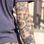 Тату паутина со скелетом на правой руке парня – Фото Уличная тату (street tattoo) № 13 – 27.06.2021 7