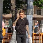 Тату рукава у парня с розами и крыльями – Фото Уличная тату (street tattoo) № 13 – 27.06.2021 1