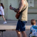 Тату рукав с греческим Богом (портрет) и парусником на правой руке парня – Фото Уличная тату (street tattoo) № 13 – 27.06.2021 1