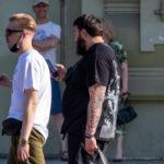 Тату рукам из мелких рисунков на левой руке мужчины – Фото Уличная тату (street tattoo) № 13 – 27.06.2021 3