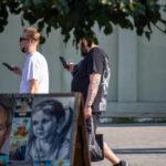 Тату рукам из мелких рисунков на левой руке мужчины – Фото Уличная тату (street tattoo) № 13 – 27.06.2021 4