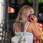 Тату с крестом и узорами на спине между лопаток девушки – Фото Уличная тату (street tattoo) № 13 – 27.06.2021 2