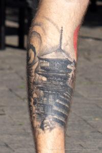 Тату с крышей монастыря в японском стиле – Фото Уличная тату (street tattoo) № 13 – 27.06.2021 3