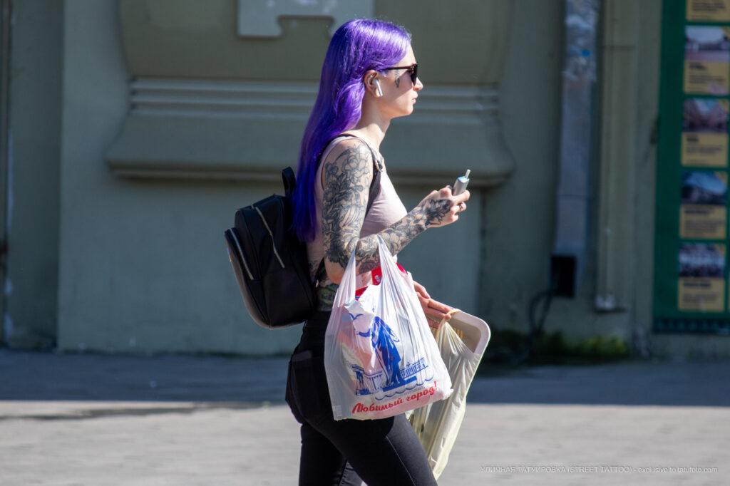 Тату с цветами на всю правую руку девушки – Фото Уличная тату (street tattoo) № 13 – 27.06.2021 9