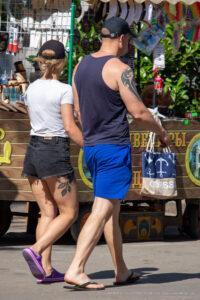 Тату трайбл узор на правом плече мужчины – Фото Уличная тату (street tattoo) № 13 – 27.06.2021 5