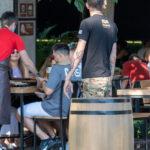 Тату узоры в стиле треш-полька на левой руке мужчины – Фото Уличная тату (street tattoo) № 13 – 27.06.2021 1