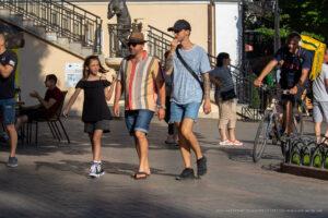 Тату череп и весы на руках парня – Фото Уличная тату (street tattoo) № 13 – 27.06.2021 3