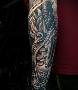 Фото интересной татуировки 02.06.2021 №023 - cool tattoo - tatufoto.com