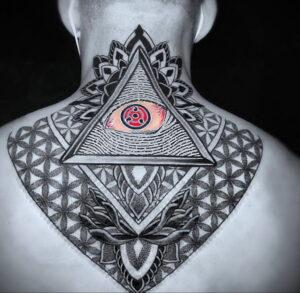 Фото интересной татуировки 02.06.2021 №100 - cool tattoo - tatufoto.com