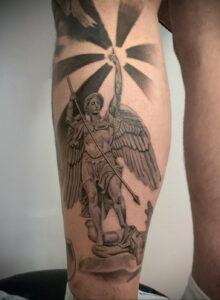 Фото интересной татуировки 02.06.2021 №121 - cool tattoo - tatufoto.com
