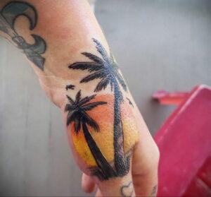 Фото интересной татуировки 02.06.2021 №125 - cool tattoo - tatufoto.com